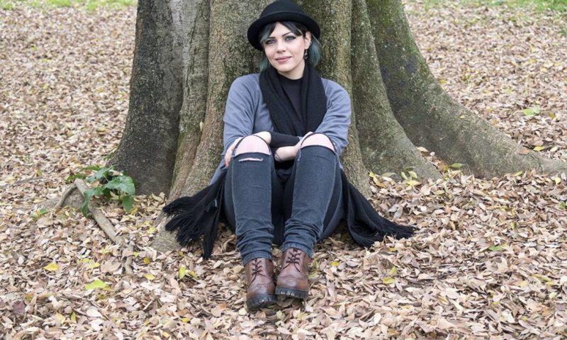 L'adesione piena e dolorosa della poesia: 'Non negare nessuno' di Alessia Iuliano