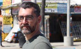 """Angelo Sturiale vince il Premio Internazionale """"Chrónos"""" con """"D'amore, di vetro, di metallo""""."""