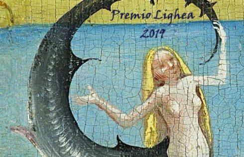 """""""Premio Lighea"""" ideato da Maria Grazia Insinga, attesa per la premiazione nel giardino di """"Villa Piccolo""""."""