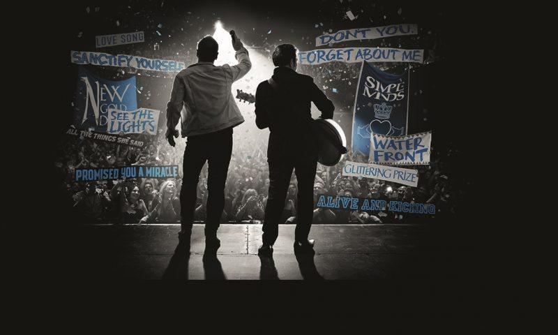 I Simple Minds al Teatro Antico di Taormina per celebrare quarant'anni di successi.