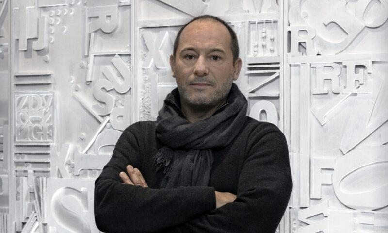 """""""Il scappamorte"""", Gian Mario Villalta, """"tutto/ passa di vita in morte in vita in un istante""""."""